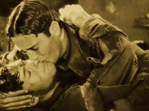 Az első hollywoodi filmben elcsattanó férficsók