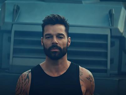 Korát meghazudtoló formában a 4 gyermekes Ricky Martin