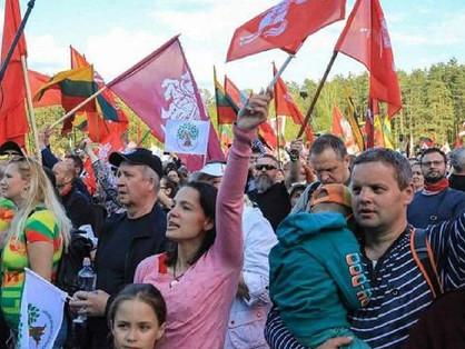 A családok védelmében vonultak utcára litván homofóbok