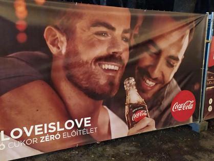 A Coca-Cola fiúk bemutatkozása