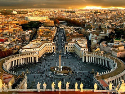 Negyven meleg papot buktatott le az olasz escortfiú