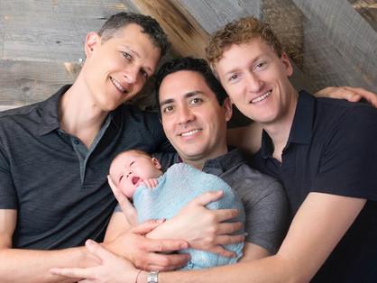 Három meleg apa és egy bébi