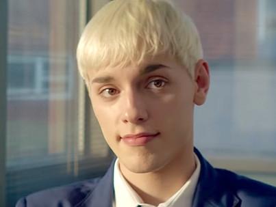 A 16 éves srác arról álmodik, hogy drag queen lesz