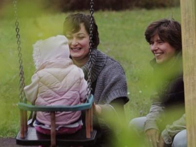 Filmpremier: leszbikus örökbefogadó anyák története