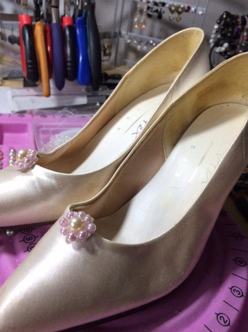 'SHOE ORNAMENTS' - Clip-on/detachable decorations for shoes