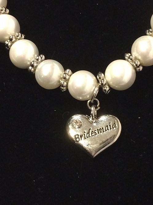 White Shell Pearl Braclelet with Heart Charm