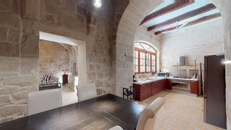 HOC-in-senglea-Large-Dining-Kitchen