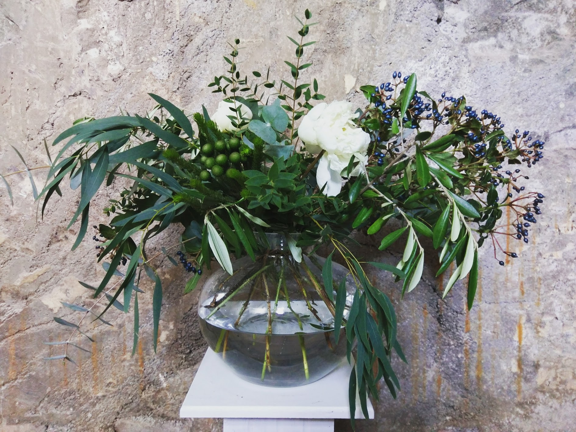 Wild foliage vase
