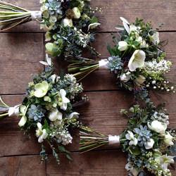 White hellebores bridesmaid bouquets