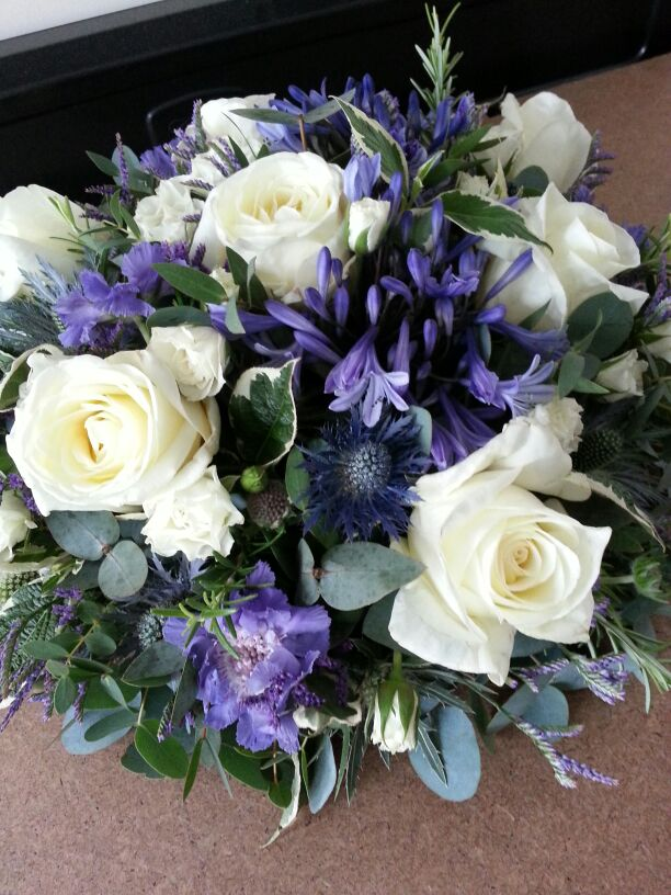 Rose and agapanthus posy pad