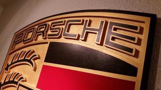 PORSCHE - top detail.png