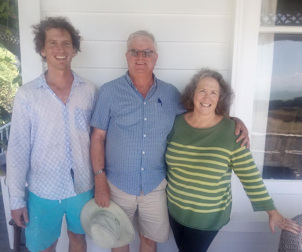 Angus (centre), Dinah (left) & Tom (right) - Gordon Family next generation photo
