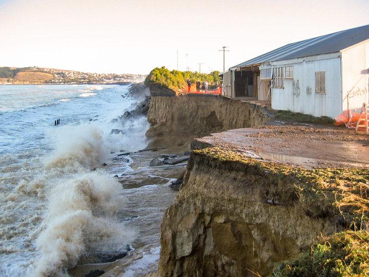 Coastal erosion in Oamaru, June 2007