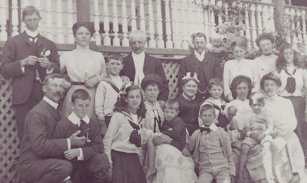 Thomas Tanner (centre) and family with Frank Gordon (far left) in the centre Ellen (nee Gordon) in with children Eileen and Lindsay (bow tie)
