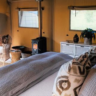 Indoor fire and luxury linen - Kowhai Retreat