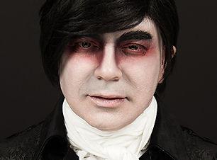 min Halloween airbrush makeup vampire.jp