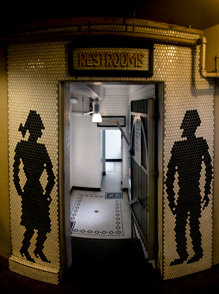 Untitled_restroom