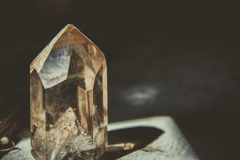 crystal-2723145_960_720.jpg