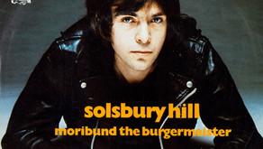 Well Written Rock Songs: Solsbury Hill - Peter Gabriel (1977)