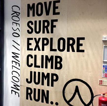 Move, surf, explore
