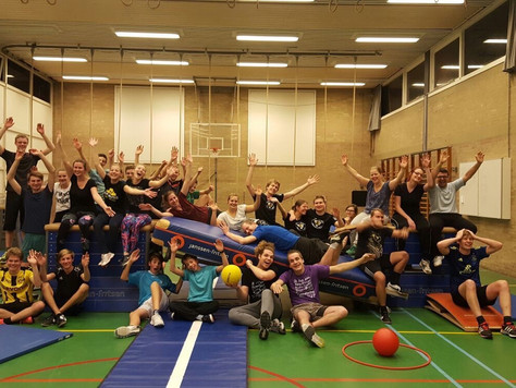 PlayActive Mannequin Challenge - Apenkooi Edition