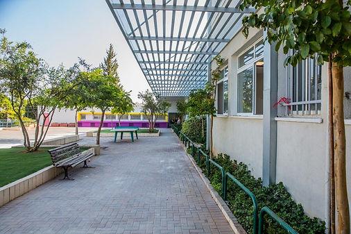 school renovation givat shmuel israel