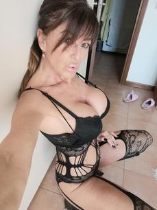 Camgirl: LuanaBorgia