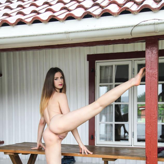 Stella Cox modella italiana nuda Met Art