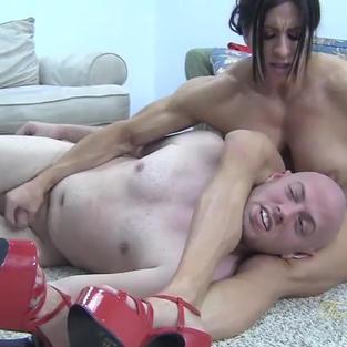 Angela Salvagno maestra della dominazione femminile