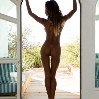 Modella Nuda Met Art: Putri Cinta