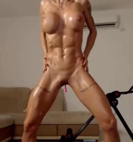 abs of eve, chaturbate, camgirl nuda, camgirls nude, masturbazione, sex toys, ohmibod, vibratore, vibratore comandabile a distanza, chat erotiche