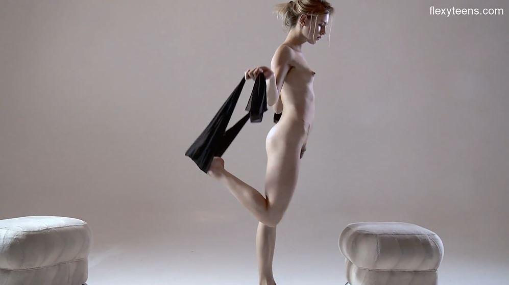 sportive nude, atlete nude, ginnaste nude, fighe sportive, fighe nude, 18 anni, diciottenni arrapate, diciottenni nude