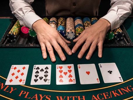 Texas Hold'em and Poker: What Are the Main Differences ?