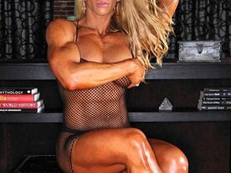 Donne Muscolose in Bondage - La passione di legare quei corpi forti e possenti