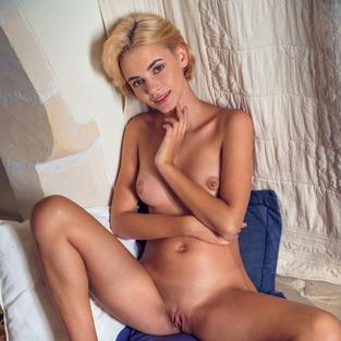 lilit ariel, bellissime ragazze nude, figa nuda, fighe nude, ragazze che si masturbano, ra