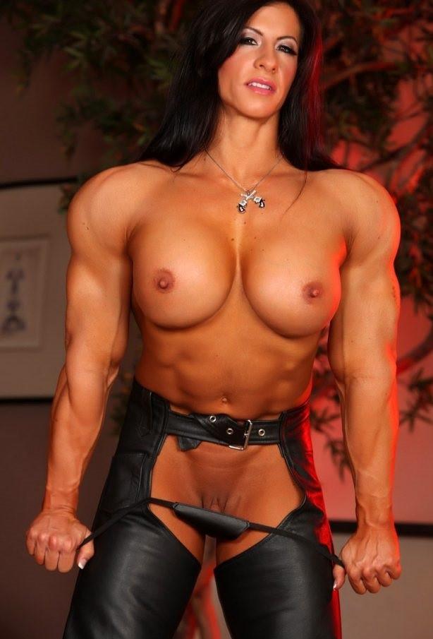 angela salvagno, donne muscolose nude, donne nude, milf nude, milf arrapate, milf fitness