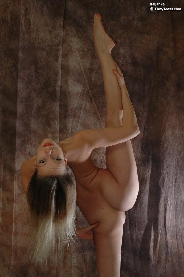 Ragazzine nude, ginnaste nude, ginnastica artistica nude, atlete nude, Tettediferro.it