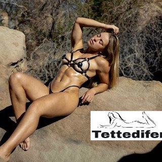 Valeria Guznenkova, ragazze fisicate nude