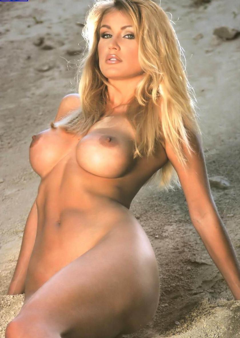 Eva_Henger, eva henger nuda, showgirl, film porno italiano, porno italiano, film porno italiani, eva henger nuda,famose nude