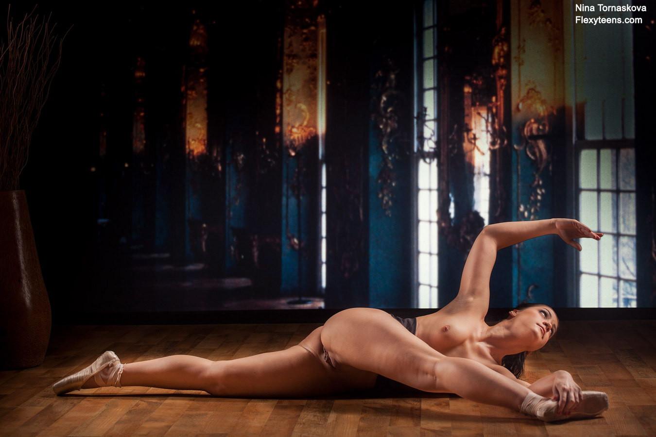 ragazzina figa nuda, adolescente figa nuda, ginnasta nuda, atlete nude