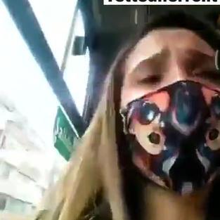 Adolescente figa di 18 anni si masturba sull'autobus mentre va a scuola