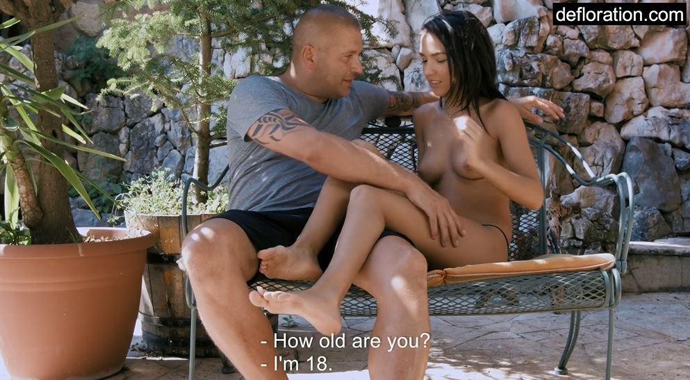 fighe vergini, sverginate,diciottenni troie, diciottenni sverginate, prima volta, 18 anni, diciottenni fighe