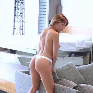 La modella nuda Met Art Monica Dee