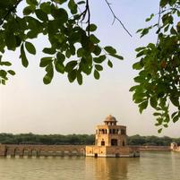 The lake at Hiran Minar