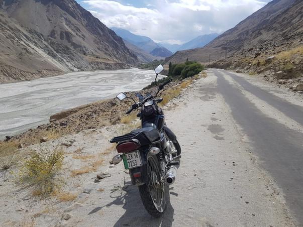 Towards Khaplu