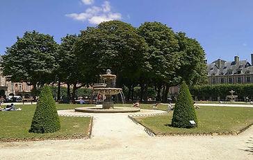 Place des Vosges - Marais de Paris