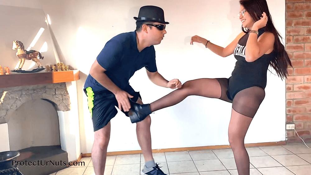 Testicles self defense squeeze Self