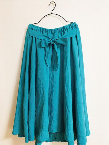 後ろ下がりスカート
