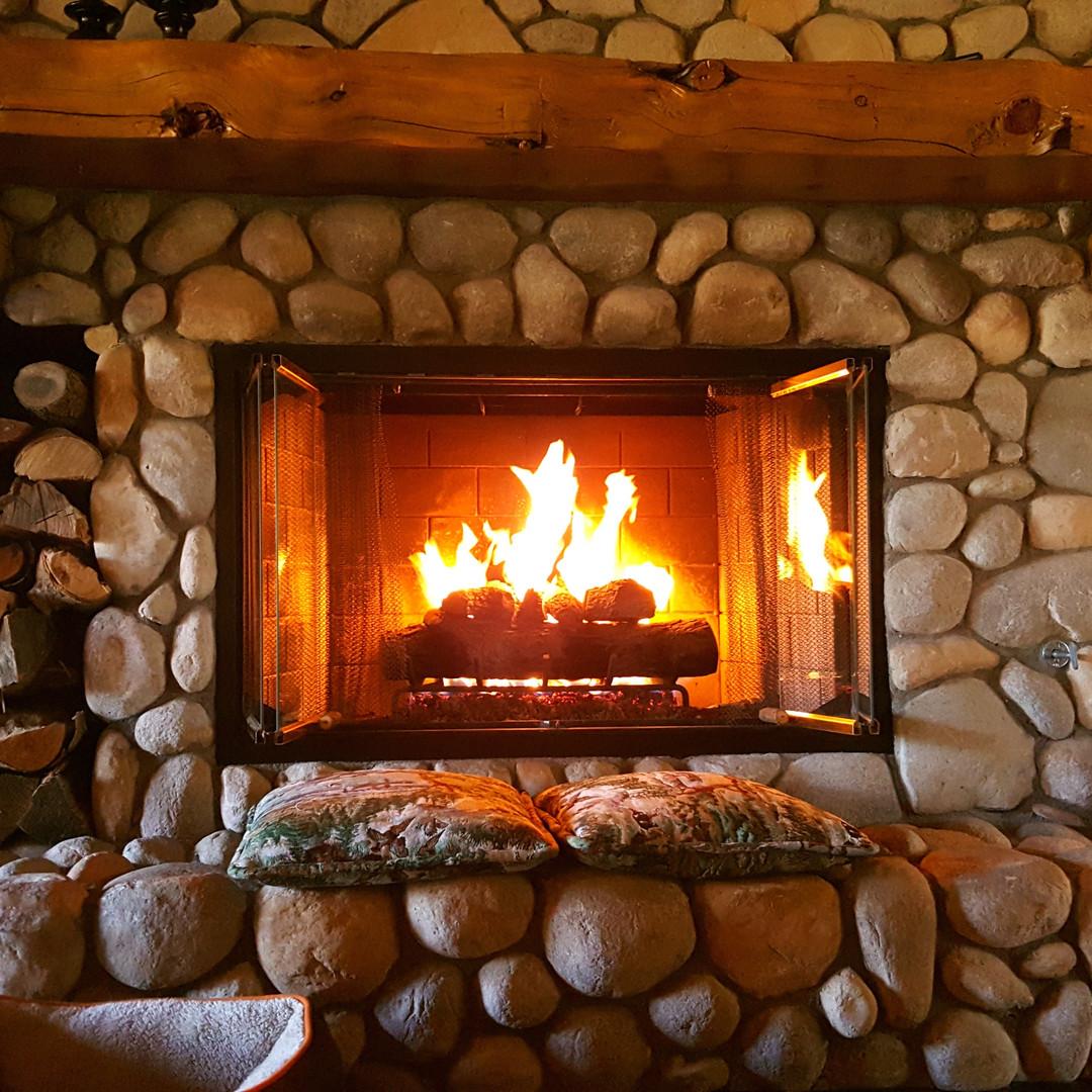 fireplace-1464166.jpg