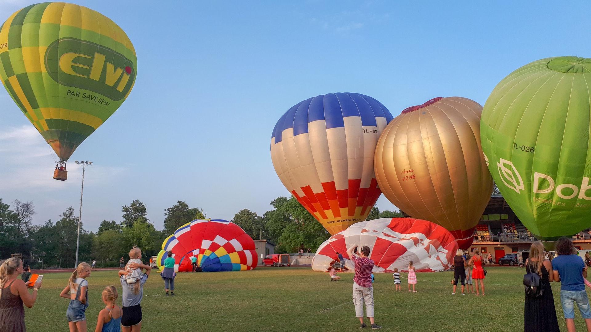 Gaisa baloni Saldū